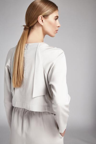 white-sweatshirt-02